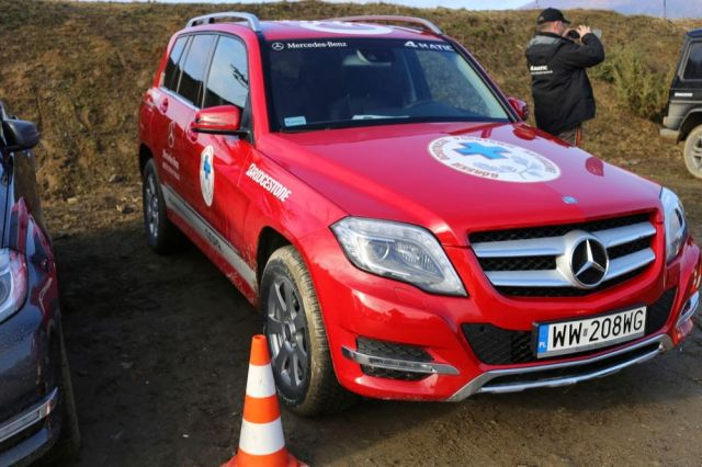 GOPR, Mercedes-Benz i Bridgestone uczą jak poruszać się zimą w górach – na drodze i stoku