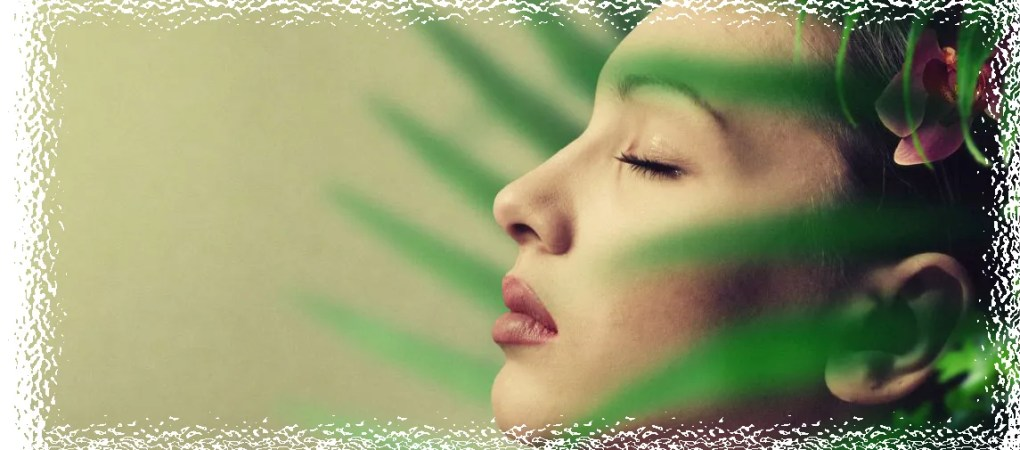 foto chica de cosmética natural