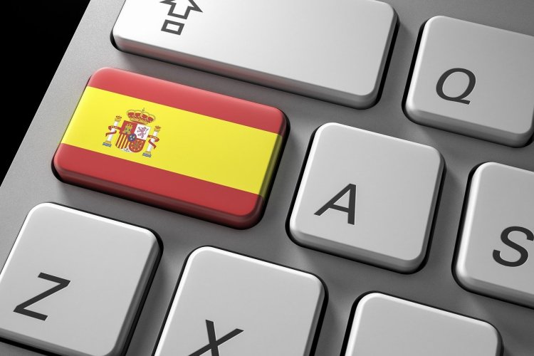 keyboard with a Spanish flag