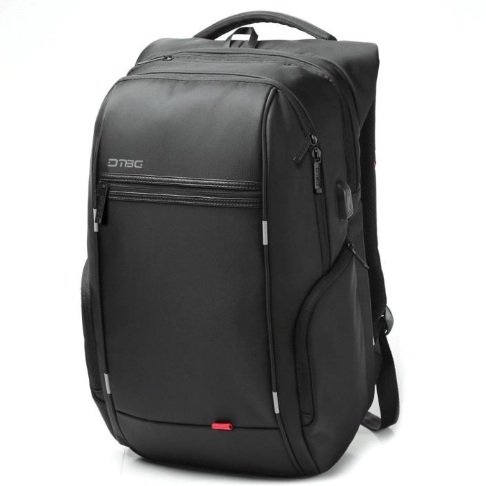 mochila con usb color negro
