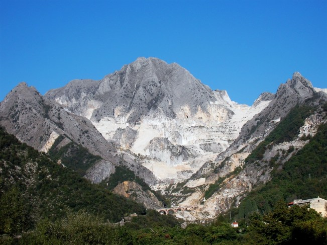 The Carrara mountains