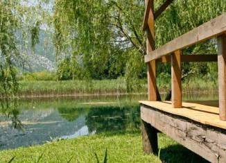 El río Neretva esconde lugares muy tranquilos en los que merece la pena descansar