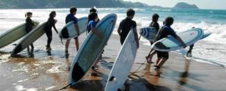 Surfistas en Zarautz