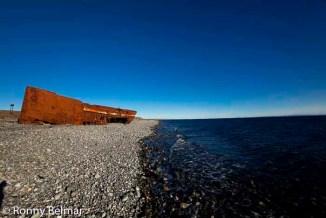 Es posible encontrar muchos restos de naufragios por toda la costa de Tierra del Fuego, restos que hablan de aquellos fracasados intentos por llegar, por descubrir, por alcanzar el fin del mundo