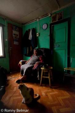 Doña Cristina Calderón es la última sobreviviente pura de la etnia Yagan, su casa se ubica en Villa Ukika, a un kilometro de Puerto Williams