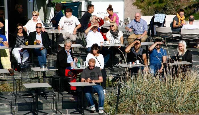 En verano los finlandeses disfrutan como nadie del sol