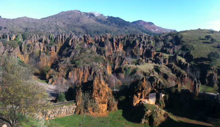 Paisaje kárstico del Parque de la Naturaleza de Cabárceno