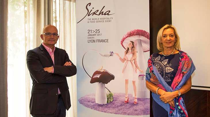 Presentación de Sirha en Barcelona. Presentación de Sirha en Barcelona. El Director de Eventos Gastronómicos, Florent Suplisson, y la Directora General de Sirha, Marie-Odile Fondeur.