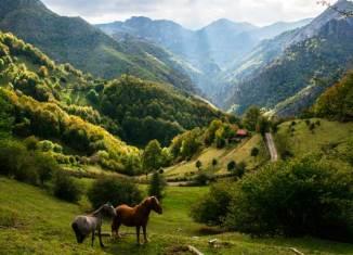 Valle del río Monasterio. Foto Manuel S. Calvo. Cedida por Turismo de Asturias