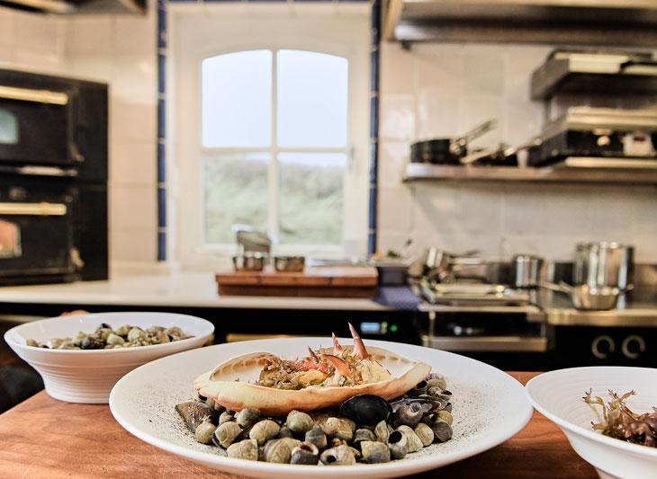 Mariscos en el hotel y restaurante Sölringhof de Johannes King. Foto GNTB/photographer: Jens Wegener.
