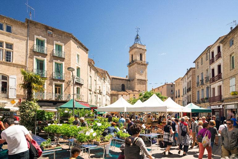 Mercado de Pézenas, en Cap d'Agde Méditerranée © Henri Comte