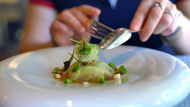 Brócoli en sarmientos y liquen, simplemente delicioso
