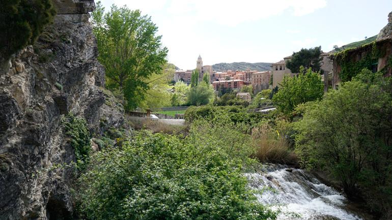 Río Guadalaviar a su paso por Albarracín