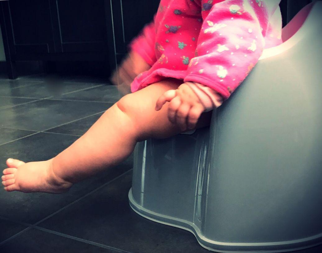 Een baby op het potje? Over babyzindelijkheidscommunicatie
