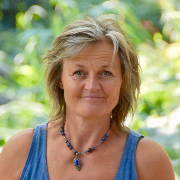 Caroline Denijs, systemisch paardencoach tussen Hemel en Paarden