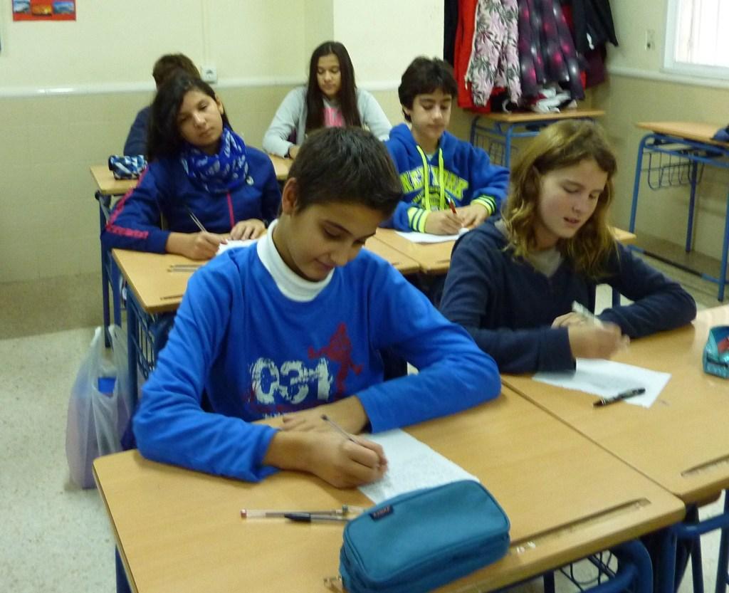 Fco. Javier Antúnez y Lucía Vilchez. Aya Choraifi , Silvia Elisa Chivu y Pablo Ujaque.