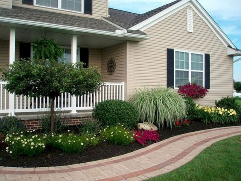 Simple-But-Beautiful-Front-Yard-Landscaping-Ideas-67
