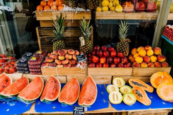 risparmio frutta verdura ananas anguria spesa mercato