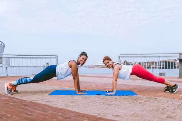 plank esercizi a corpo libero abs addominali fitness