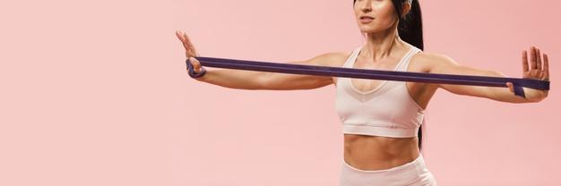 Esercizi per le braccia con elastici