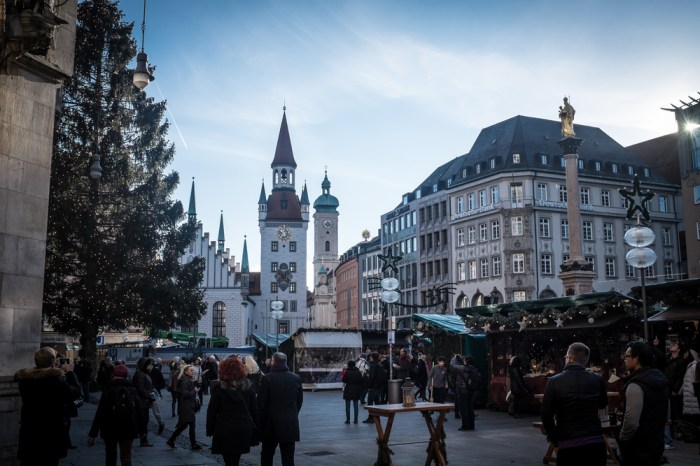 The Marienplatz a few nights before Christmas. The golden statue on the right is of Mary, which gives the platz its name.