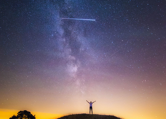 iss-self-portrait-fly-over