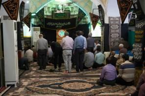 W środku meczetu