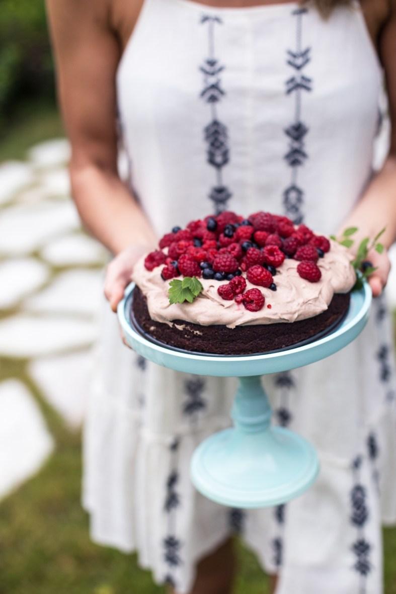 Chocolate Cake w/ Chocolate-Coconut Cream & Berries (gluten, grain & dairy free + naturally sweetened!) | tuulia blog