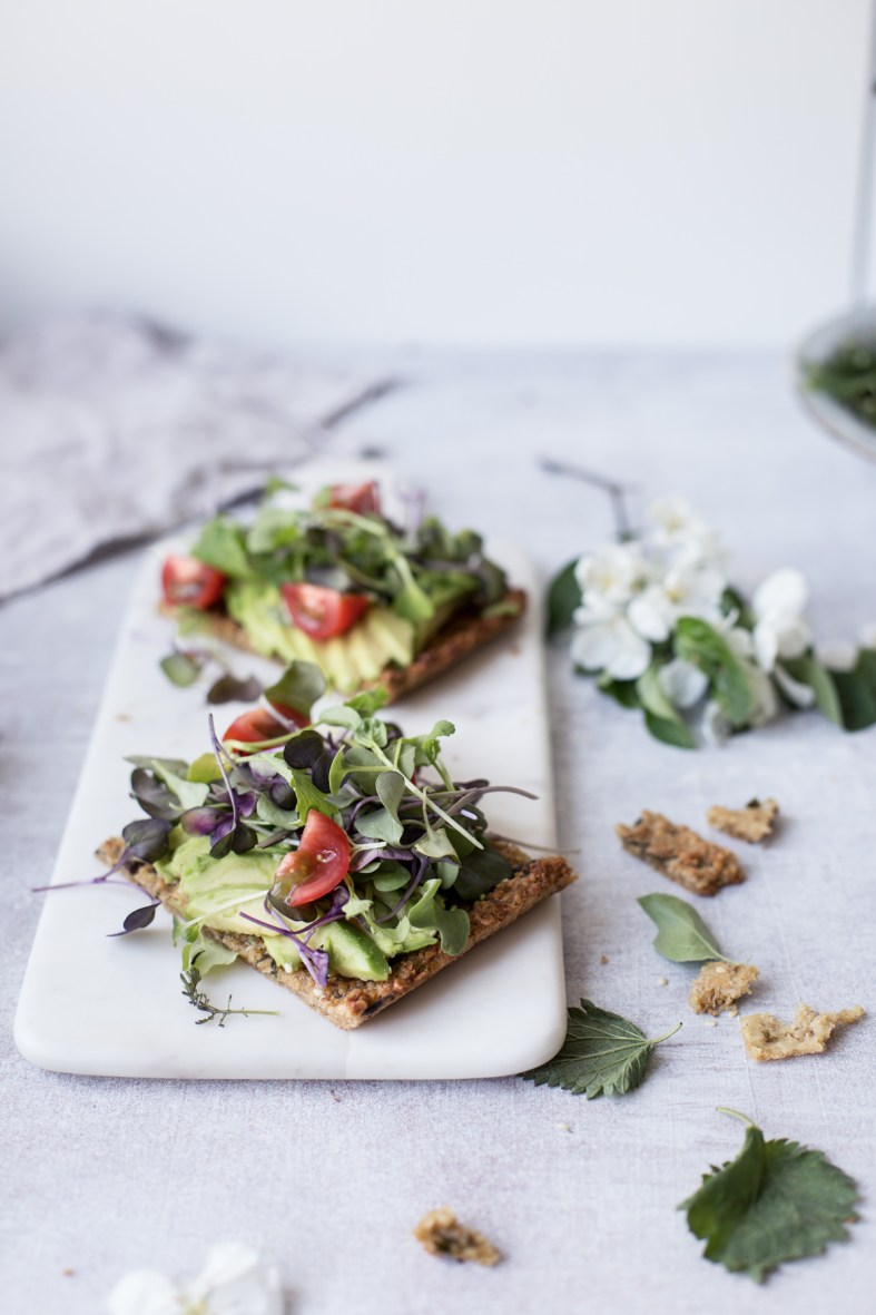 Nettle flatbread (gf + vegan)