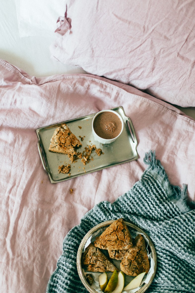 Sundays in Bed: Pear & Pecan Scones (gf + vegan) | tuulia blog