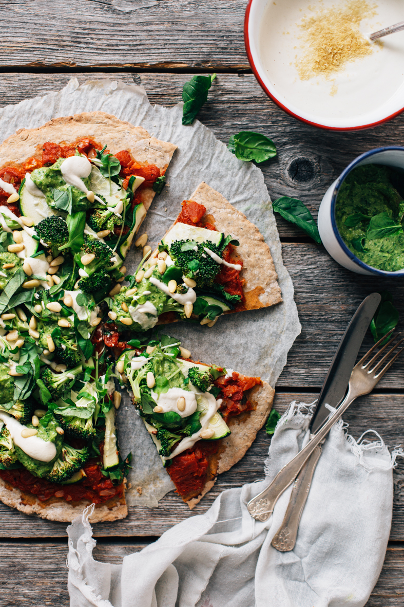 Chia Pizza w/ Cashew Cheese & Avocado Pesto (vegan + gluten-free) | tuulia blog