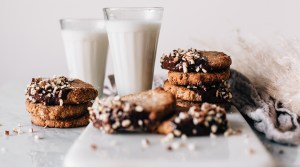 Banana Chai Cookies with Chocolate