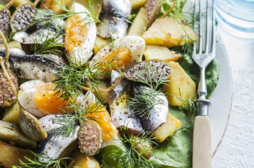 Kilusalat kartuli ja kapparitega