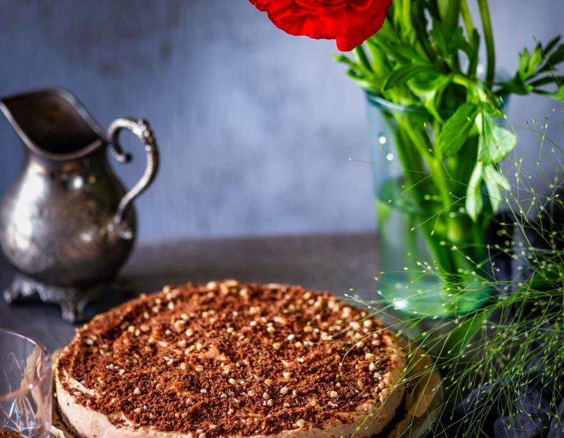 Maapähklivõi-toorjuustu täidisega küpsetamata kook