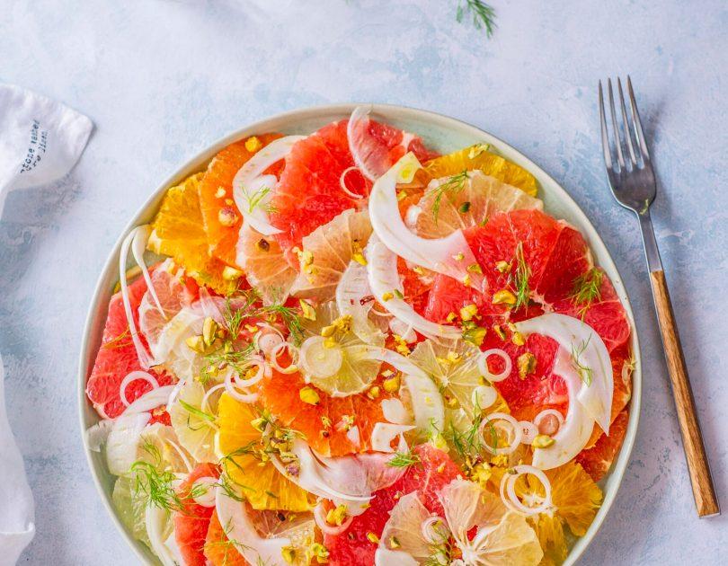 Vitaamiinisalat Tsitruste, fenkoli ja pistaatsiapähklitega