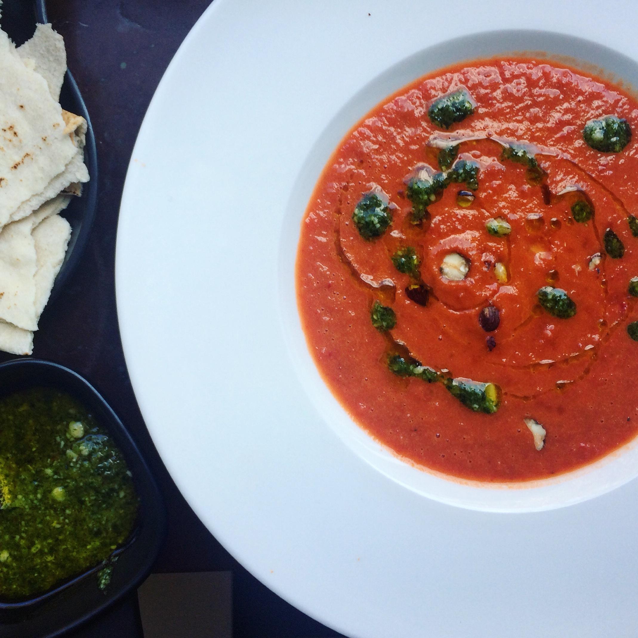 paprika och tomatsoppa