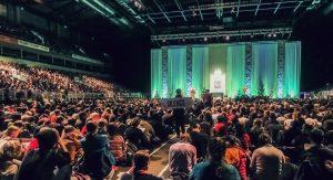 Tezē Eiropas jauniešu tikšanās Rīgā (Teksta tiešraides arhīvs)