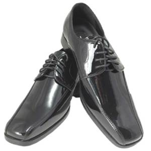 Black patent leather lace shoe with side runners