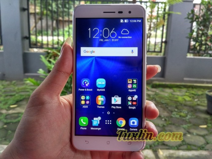 Hands On & Preview Asus Zenfone 3 ZE520KL Moonlight White