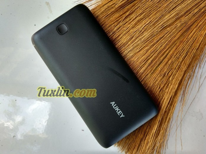 Review Aukey PB-N15 20.000mAh