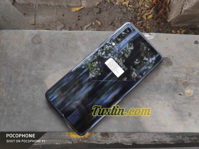 ReviewSamsung Galaxy A7 2018
