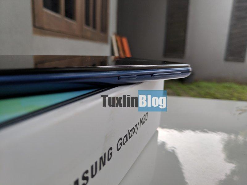 Review Samsung Galaxy M20: Baterai Besar Jadi Andalan 6