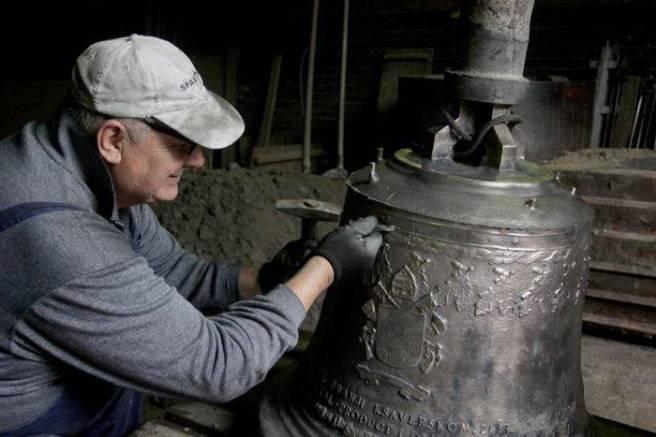 zvono-za-dolazak-pape-franje-uskoro-spremno-za-put-u-sarajevo-2015-maj004