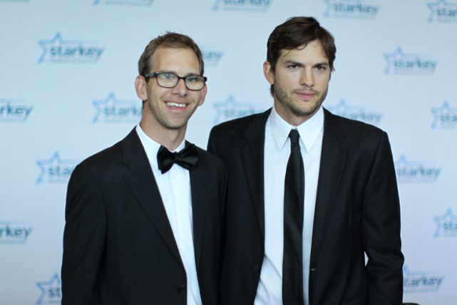 Ashton-Michael-Kutcher