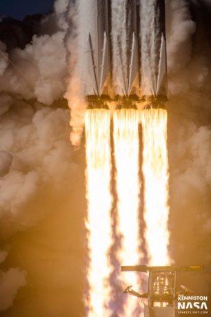 Falcon-Heavy (3)
