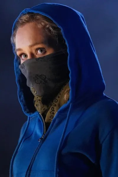 Courtney disguise - Stargirl Season 1 Episode 1