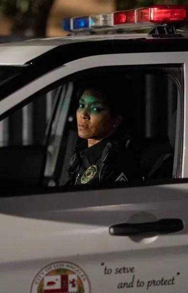 Athena On Duty - 9-1-1 Season 3 Episode 17