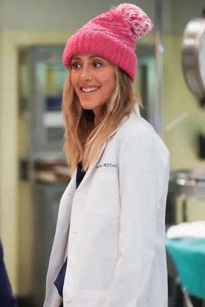 Pink Hat - Grey's Anatomy Season 18 Episode 3