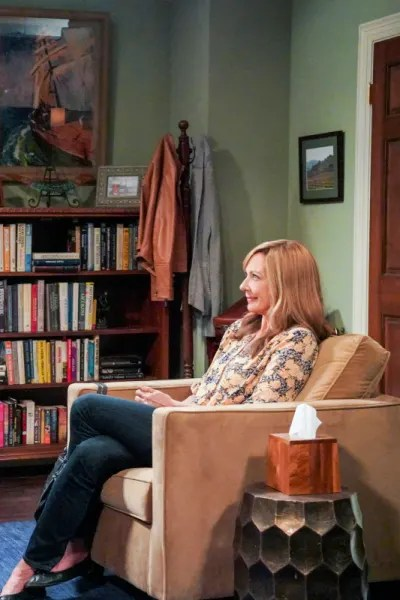 Bonnie Sitting in Therapy - Mom Season 7 Episode 8