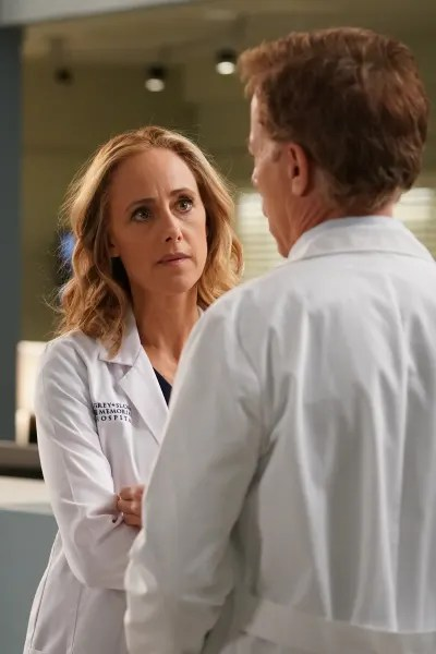 Keeping Tom Afloat  - Grey's Anatomy Season 16 Episode 20
